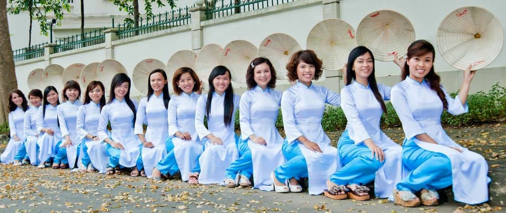 Our XO Tours ladies wearing their traditional Ao Dai and Non La (Vietnamese conical hat)..