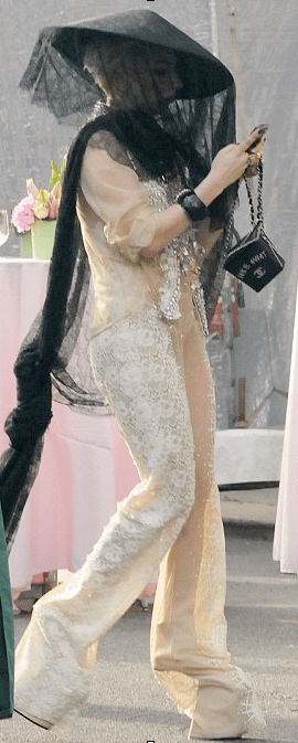 The one and only Lady Gaga recently wore the 'non la' during a public appearance, but of course she put her own spin on it.