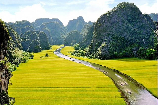 Tam Coc & Trang An boat rides, Hanoi day trips, Vietnam