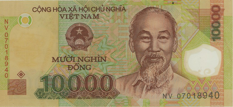 How to pay for things in Vietnam - tips for travelers