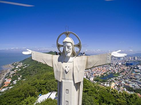 Vung Tau Jesus statue
