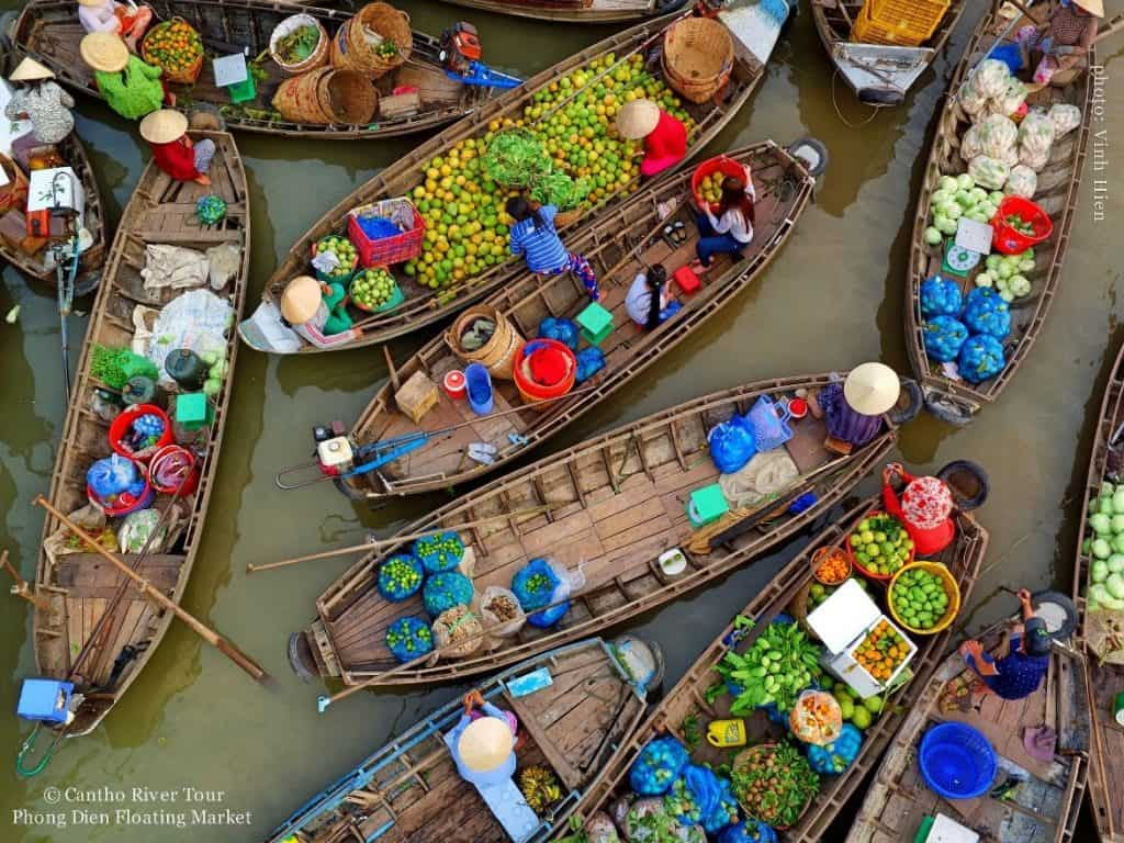 Amazing Floating market in Can Tho