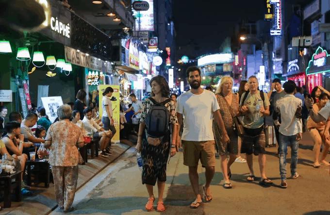 HCMC at night walking
