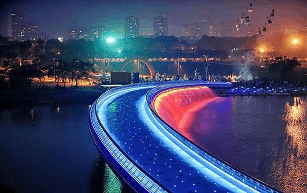 Starlight bridge HCMC